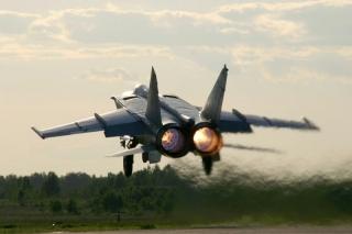 MiG-25 Foxbat podczas startu.